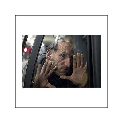 Progetto fotografico e documentario sul bus 90 di Fabrizio Spucches